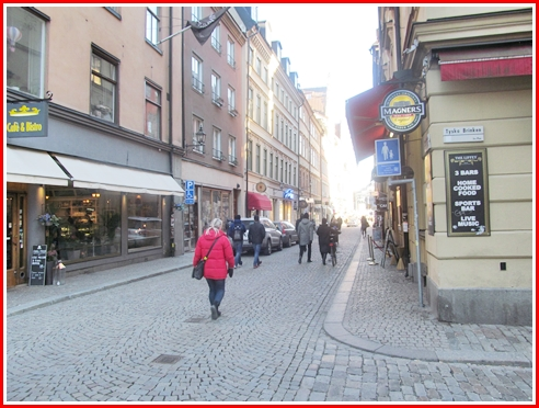 Wear good shoes in Gamla Stan. The road is cobblestone. The sidewalk is cobblestone. Only the curb are not. Walking on cobblestones for long stretches will hurt by the end of the day.