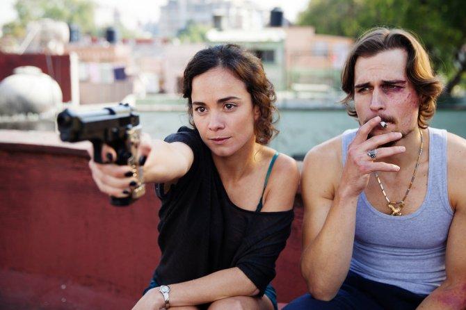 "QUEEN OF THE SOUTH -- ""Piloto"" Episode 101 -- Pictured: (l-r) Alice Braga as Teresa Mendoza, Jon Ecker as Guero -- (Photo by: Benedicte Desrus/USA Network)"