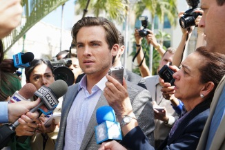 Kevin Zegers as the internet mogul Oscar Keaton